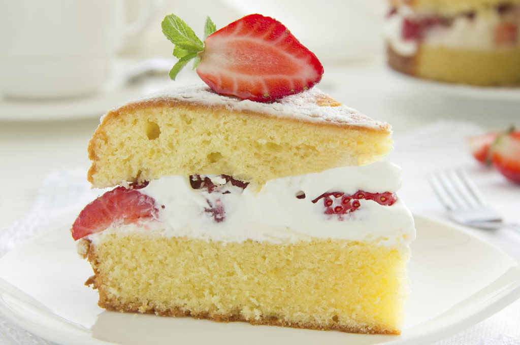 Strawberries & Cream Cake (Prepared)