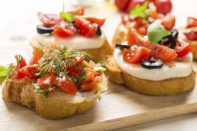 Tomato Crostini (Prepared)